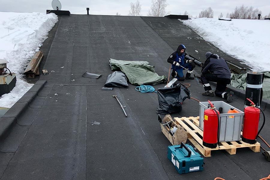 Vuotavan katon korjaus talvella
